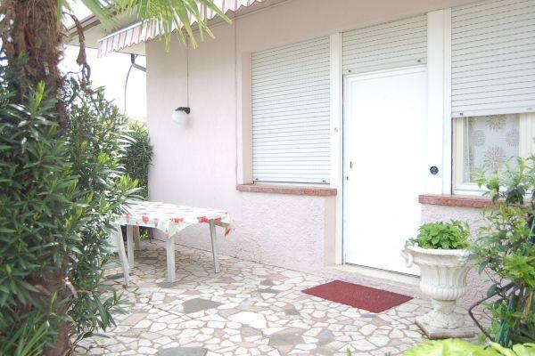 camere-residence-poggio-al-lago-garda030A42A0FE-7E3E-4C10-753B-D418614FED54.jpg