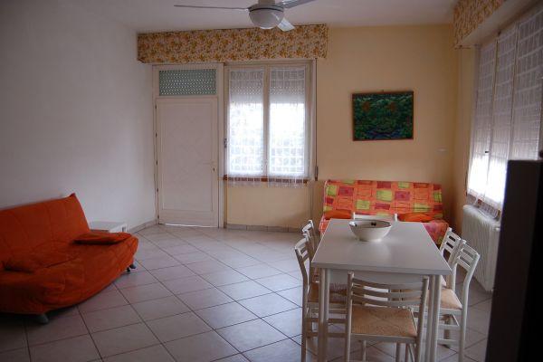 camere-residence-poggio-al-lago-garda0771AA5894-4853-4A9F-223C-74611C3B804C.jpg