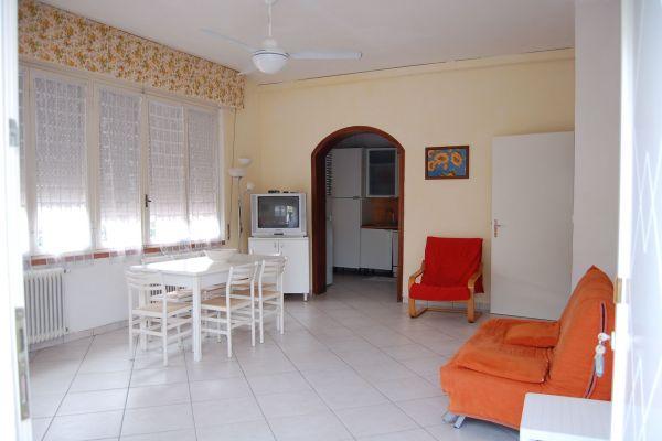 camere-residence-poggio-al-lago-garda08E1F59D0A-9AB1-0A5F-3A34-83D40FCC1A5B.jpg