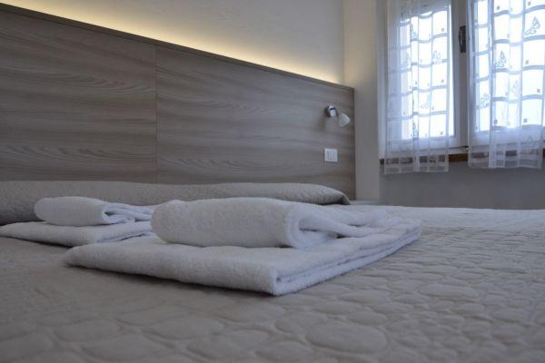 appartamenti-vacanze-terme-residence-poggio-al-lago-lazise-lago-di-garda12A419E193-3728-35B6-21C0-B4C2142621FF.jpg