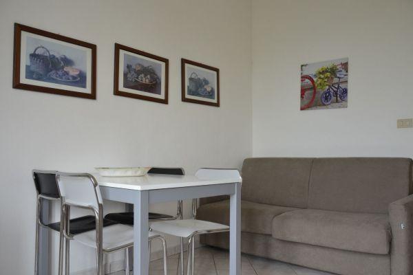 appartamenti-vacanze-terme-residence-poggio-al-lago-lazise-lago-di-garda08FF7BBF3F-2AD2-1904-C6F8-9E4C25392FDA.jpg