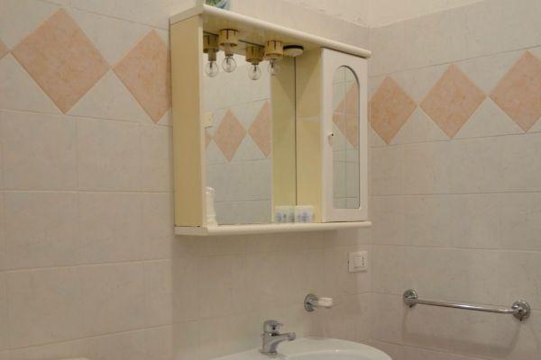 appartamenti-vacanze-terme-residence-poggio-al-lago-lazise-lago-di-garda080275F6D9-D405-0D73-CD7F-9E01DD397BEA.jpg