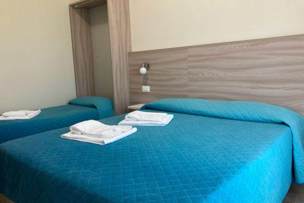 camere-residence-poggio-al-lago-garda05338BC2B2-636C-1E2A-8FEB-44D5F0CDE5B4.jpg