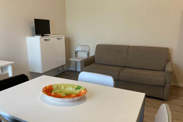 camere-residence-poggio-al-lago-garda1281D6B259-5A01-8580-C609-C1D2F0E4A2E2.jpg